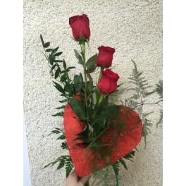 Ramo 3  Rosas con corazón